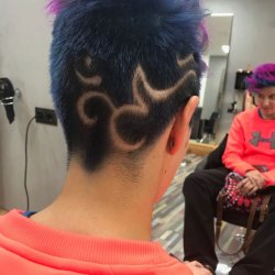 Hair tattoo y color fantasía